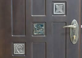 Надежная входная дверь — эталон безопасности и образец стиля