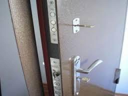 Правильно снимаем двери с петель