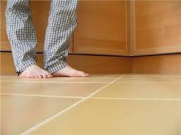 Как утеплить пол на первом этаже