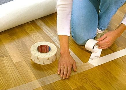 Методы закрепления линолеума на полу