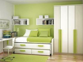 Зеленый цвет в интерьере гостиной, кухни, спальни, детской, в ванной комнате, офиса или кабинета
