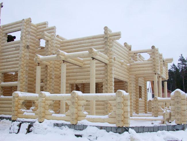 Преимущества и проблемы строительства из дерева зимой