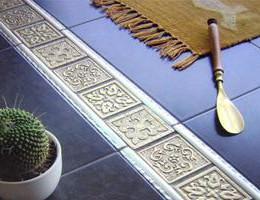 Использование декоративных вставок для керамической облицовки