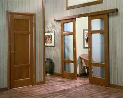 Достоинства и недостатки деревянной двери