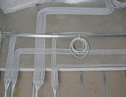 Как менять электропроводку
