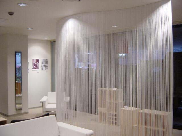 Нитяные шторы: варианты использования в помещении