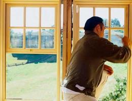 Как привести в порядок деревянные окна