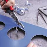 Чем резать металл: выбираем ручной инструмент