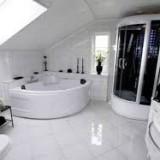 Как совместить ремонт ванной комнаты и ремонт ванны?