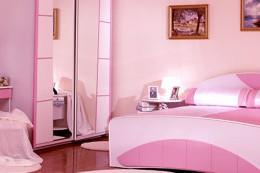 Использование розового цвета в интерьере