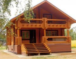 Как защитить деревянный дом от воздействия воды?