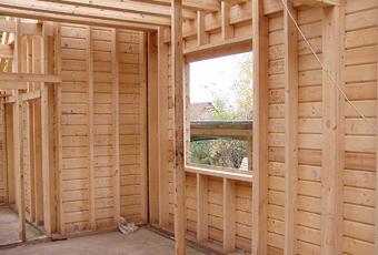 Строительство каркасного дома: возведение стен