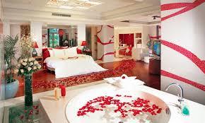 Романтический интерьер спальни для новобрачных