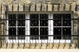 Кованные решетки для дома, квартир