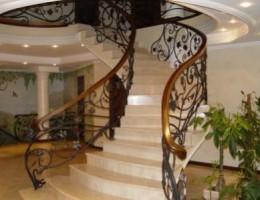 Лестница для загородного дома. Какую выбрать?