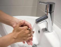 Сантехнические приборы и устройства как неотъемлемый элемент ванной комнаты и кухни
