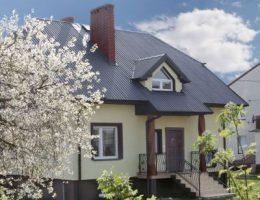 Выбор кровельного материала для крыши дачного домика