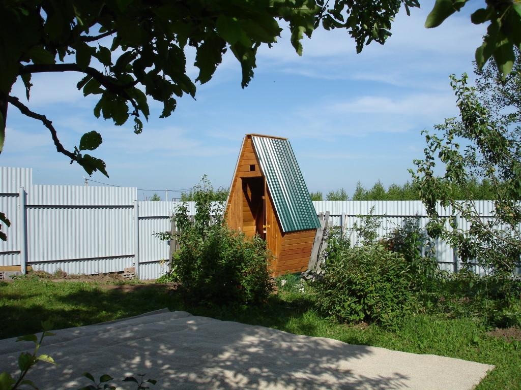 Как построить туалет на дачном участке своими руками