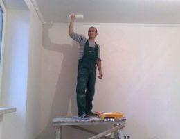 Как красить потолки