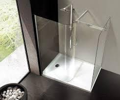 Полноценная ванна или компактная душевая кабинка?