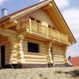 Срубы домов из кругляка