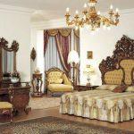 Резная мебель: особенности применения резьбы в интерьере