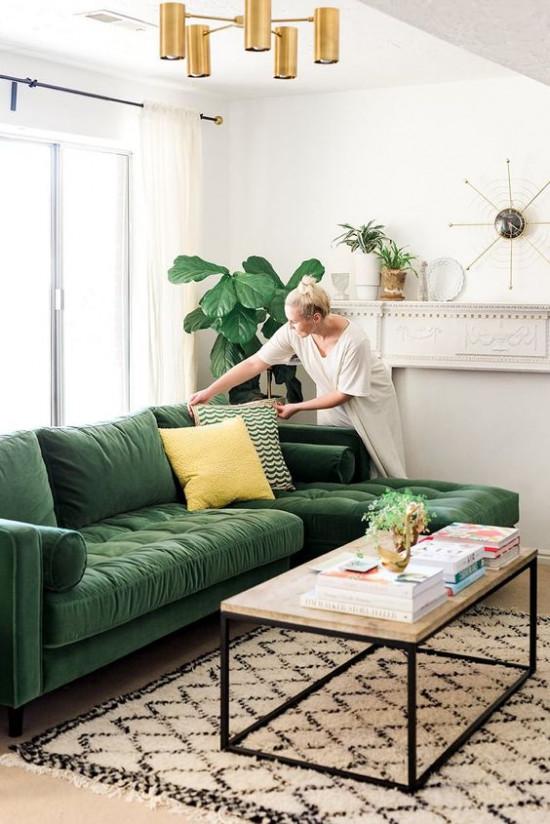 Как и куда поставить диван