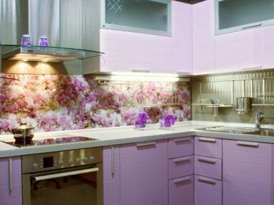 Обустройство кухни, стеклянные панели