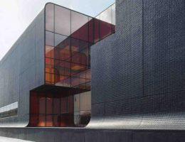 Надежные фасады из стекла