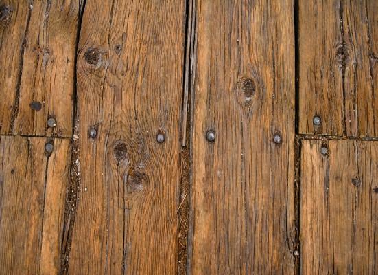 Убрать скрип деревянных полов