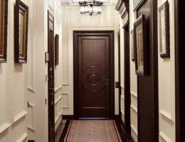 Интерьер длинного коридора — планирование узкого пространства