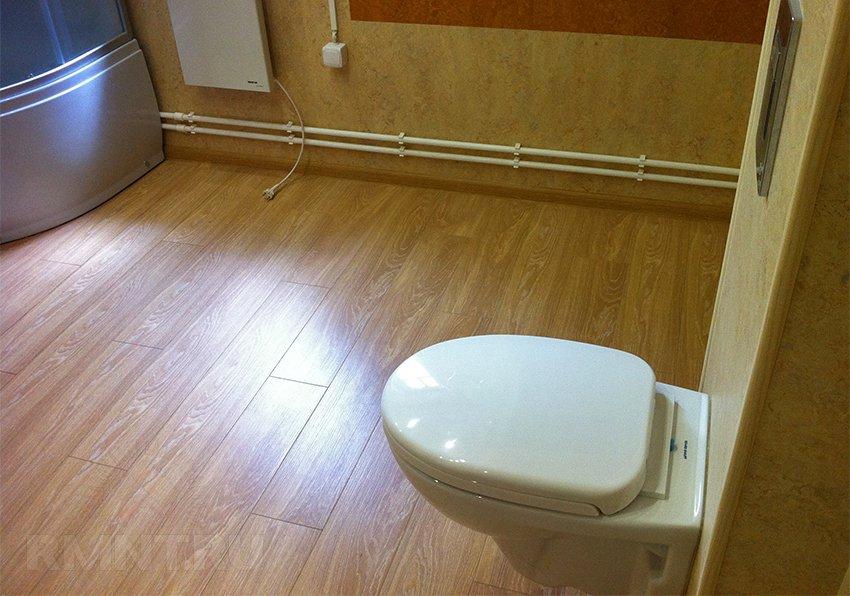 Ламинат для ванной — какой выбрать