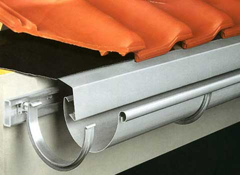 Правила монтажа водоотвода на плоских крышах