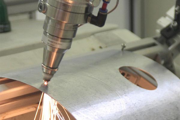 Лазерная резка металла: преимущества и недостатки технологии