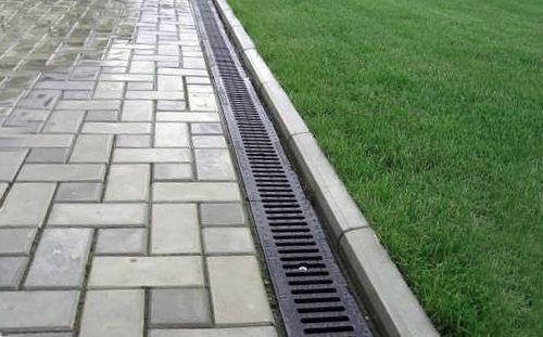 Нюансы при устройстве ливневой канализации