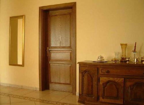 Дверь в подвальное помещение