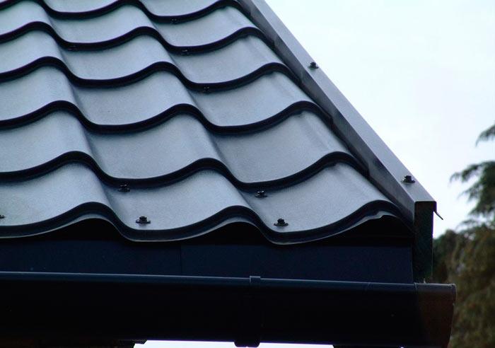 Крепление металлочерепицы на крыше