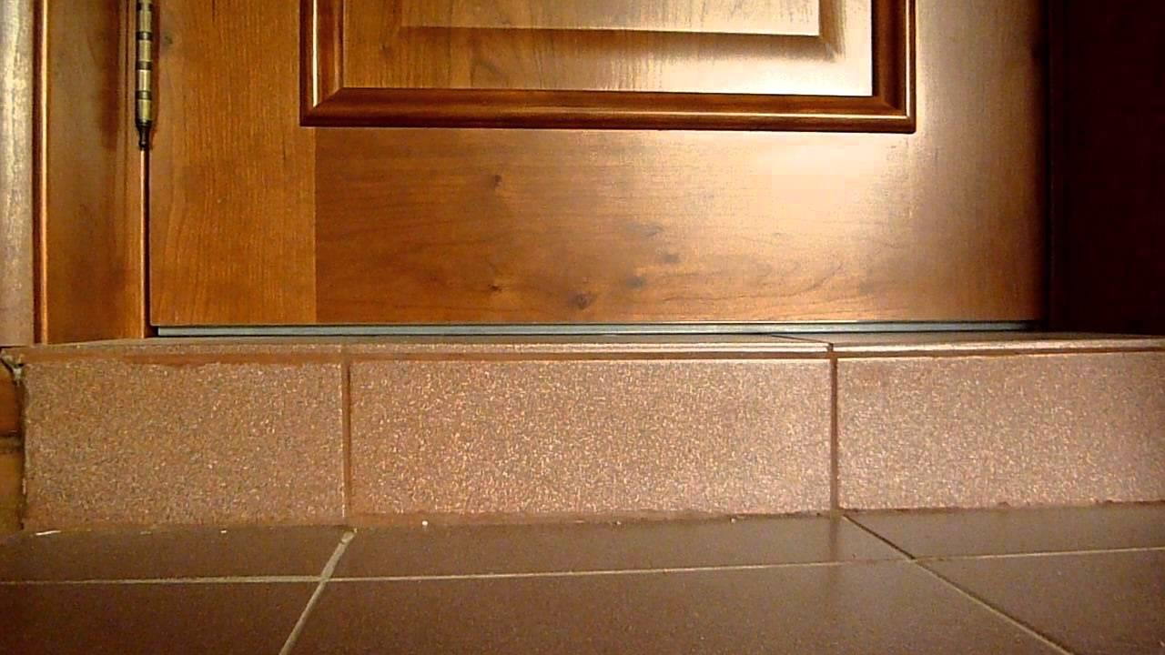Монтаж порога для входной двери