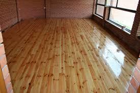 Настелить деревянный пол