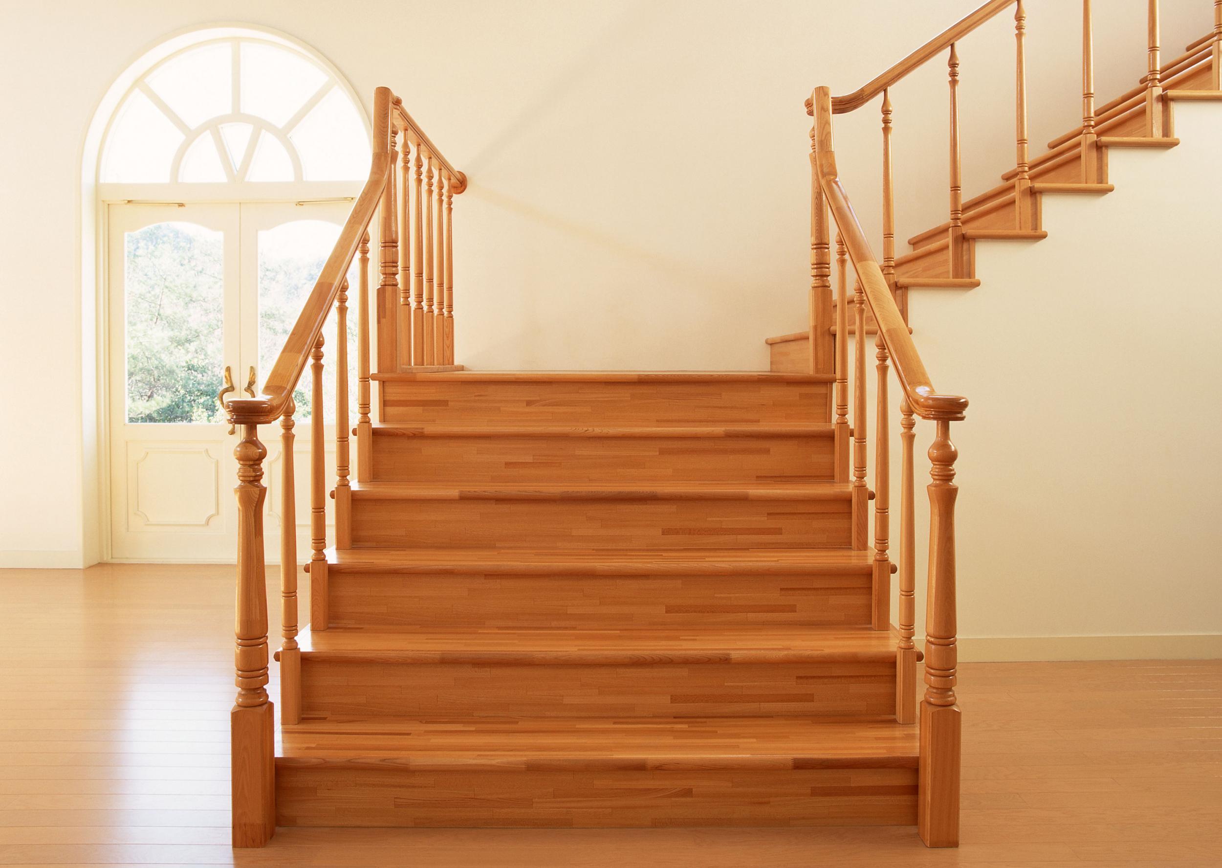 Лестница из дерева