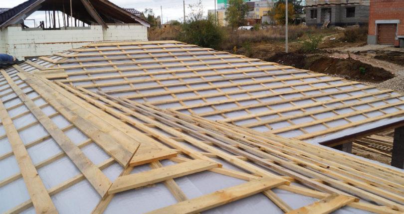 Установка обрешетки крыши под разные материалы