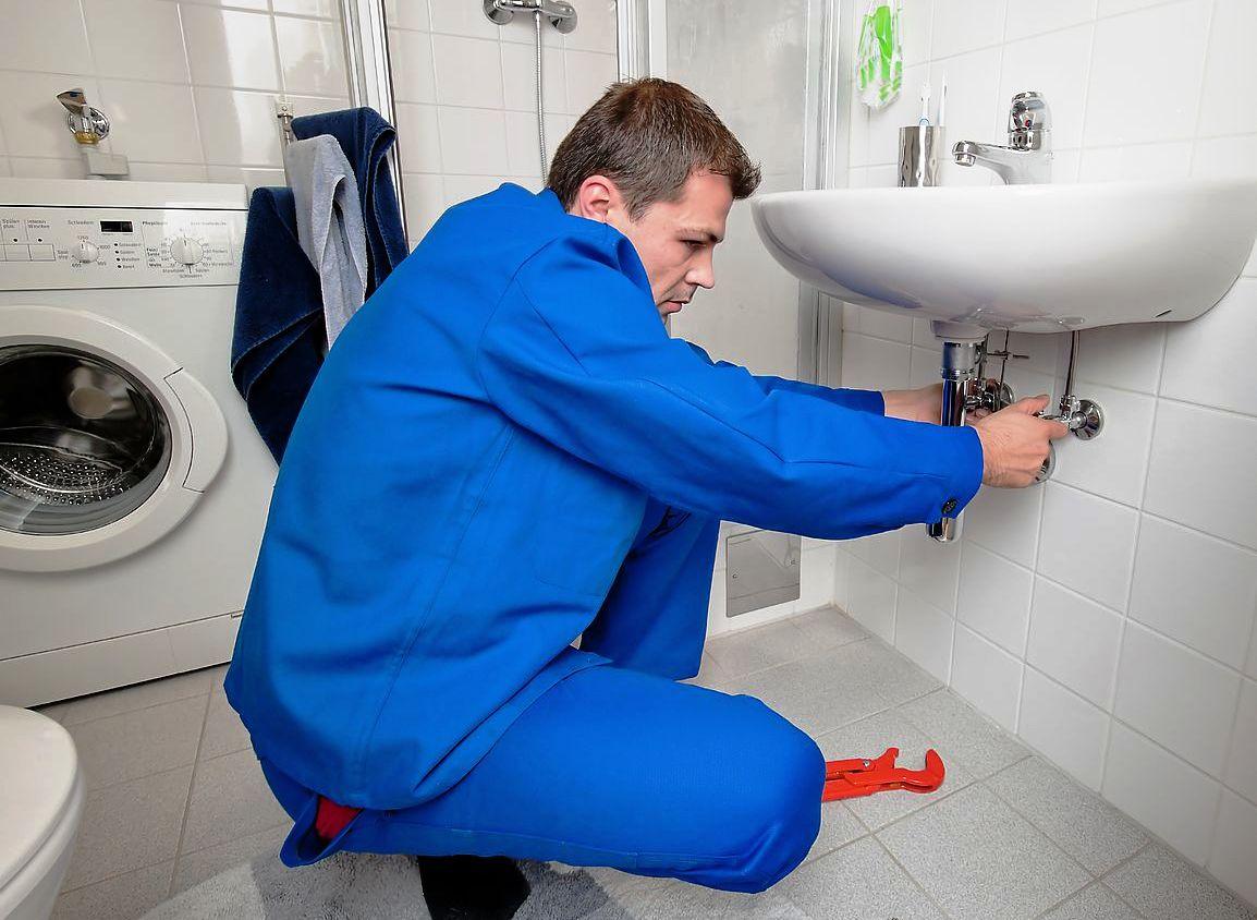 Как снять умывальник и не повредить при этом окружающую сантехнику