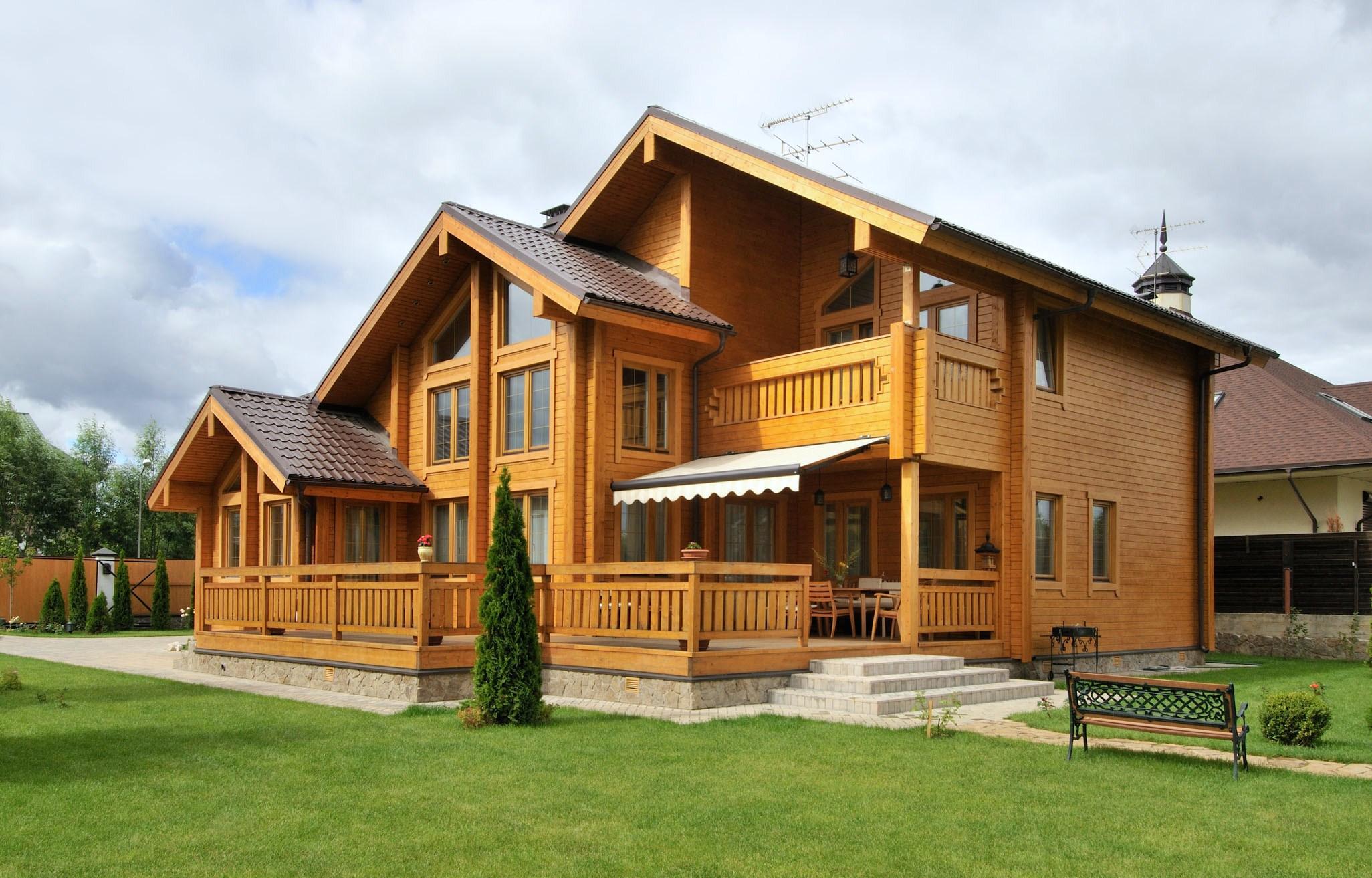 Клееный брус – идеальный материал для строительства дома
