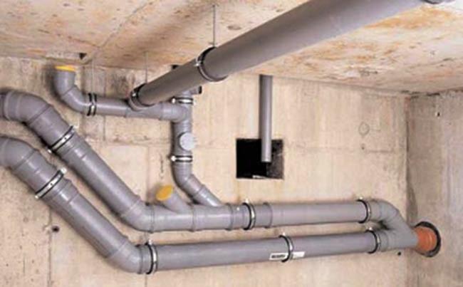 Определяем угол наклона канализационной трубы