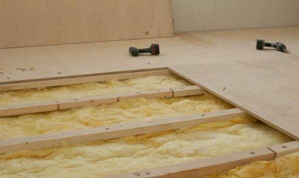 Укладка фанерных полов на деревянные лаги