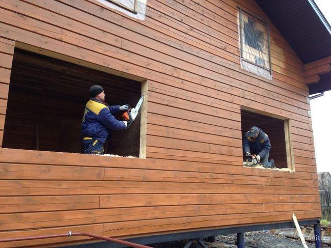 Установка пластиковых ПВХ окон в деревянном доме, обсада и окосячка