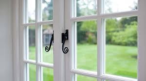 Пластиковые окна. Как чистить и обслуживать окна ПВХ, двери и другие изделия?