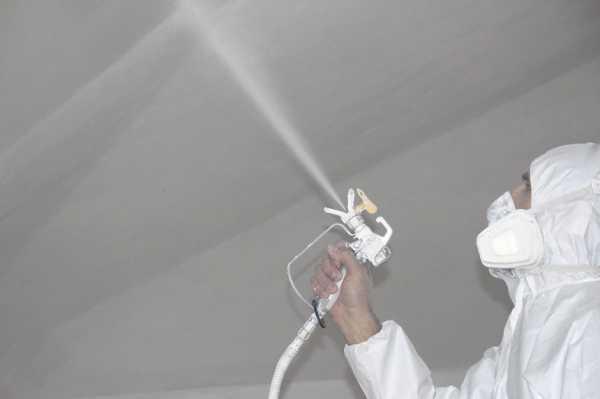 Подготовка к побелке потолка