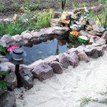 Пруд из старой ванны