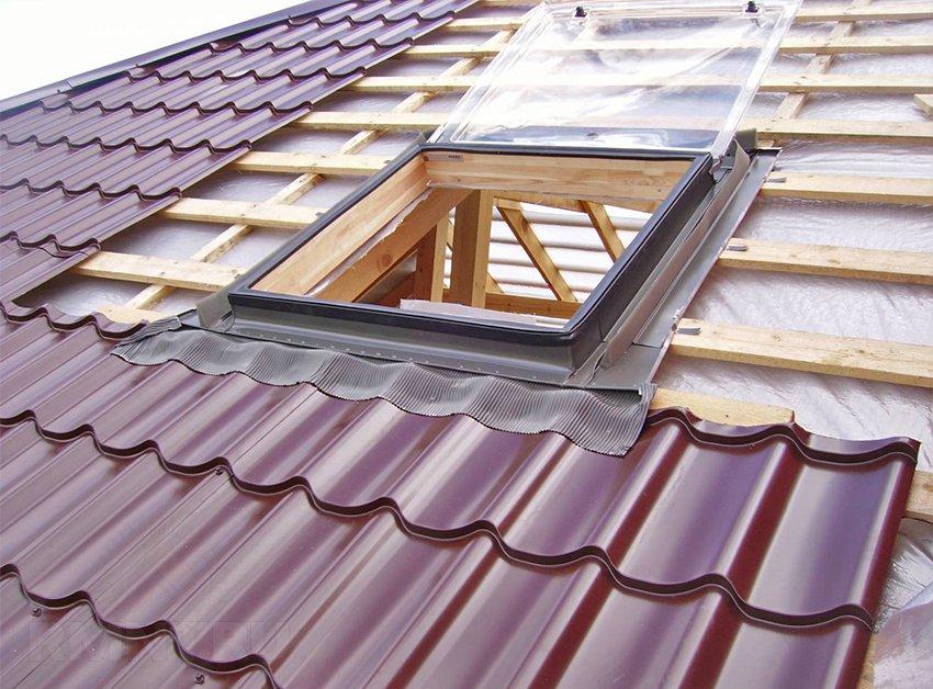 Металлическая крыша: шашечная или чешуйчатая кровля